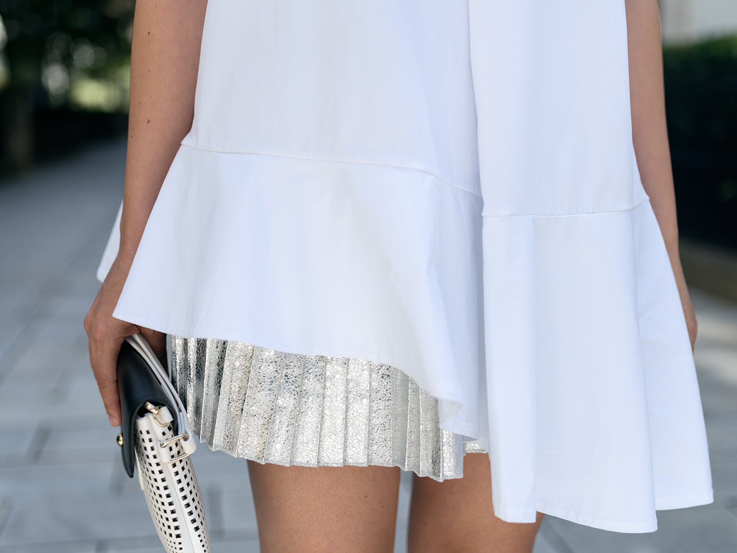 OUTFIT: PARTY KLEID SILBER | FASHIONAMBIT