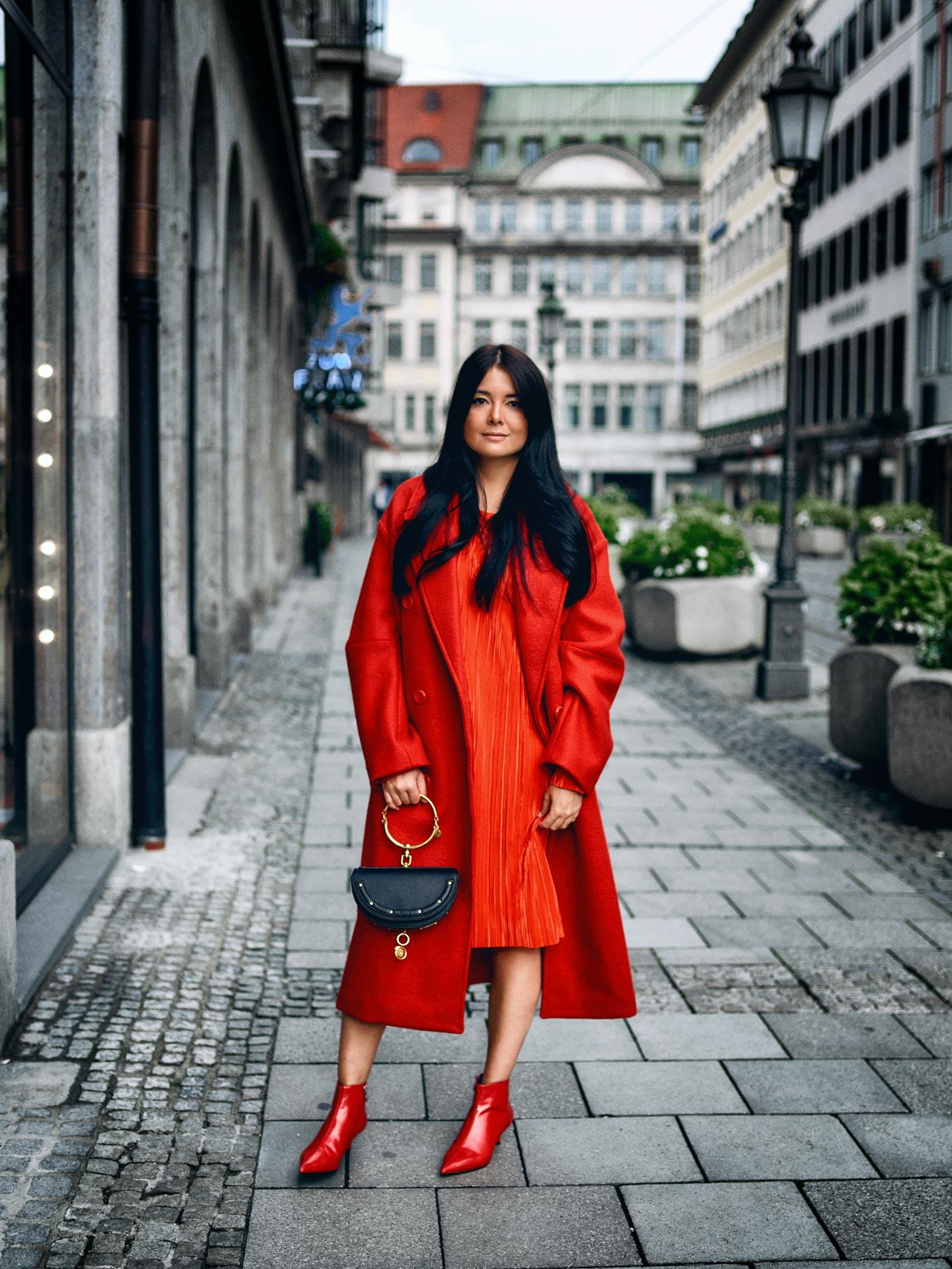 fashionambit-travelblog-muenchen-modeblog-deutschland-blogger-modeblogger-fashionblogger-bloggerdeutschland-lifestyleblog-munich-style-blog-trendfarbe-rot-allover-look