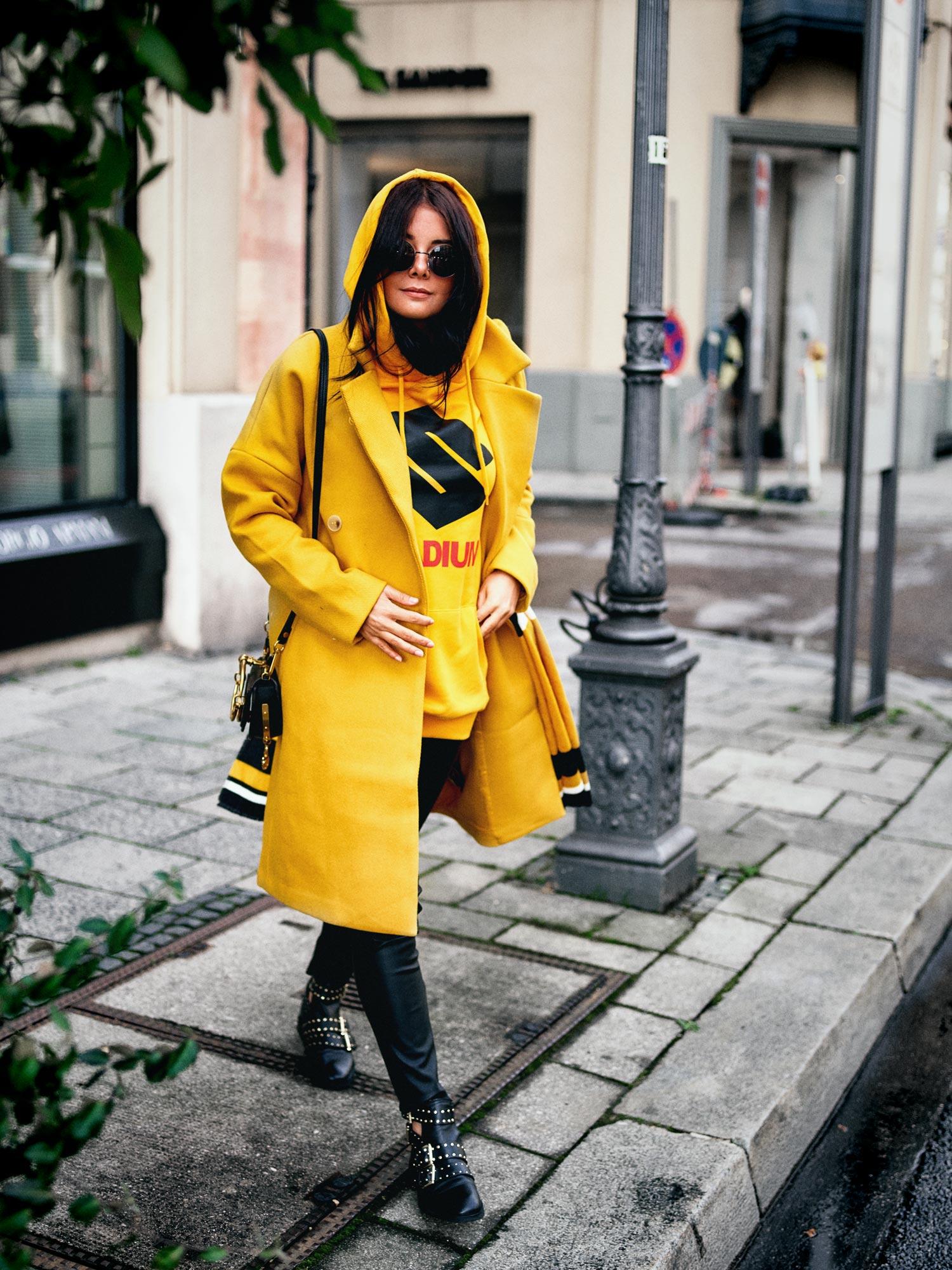 bloggerdeutschland-fashionblogger-lifestyleblogger-beautyblogger-fashion-blogger-modeblogger-modeblog-munich-blog-muenchen-hoddie-special