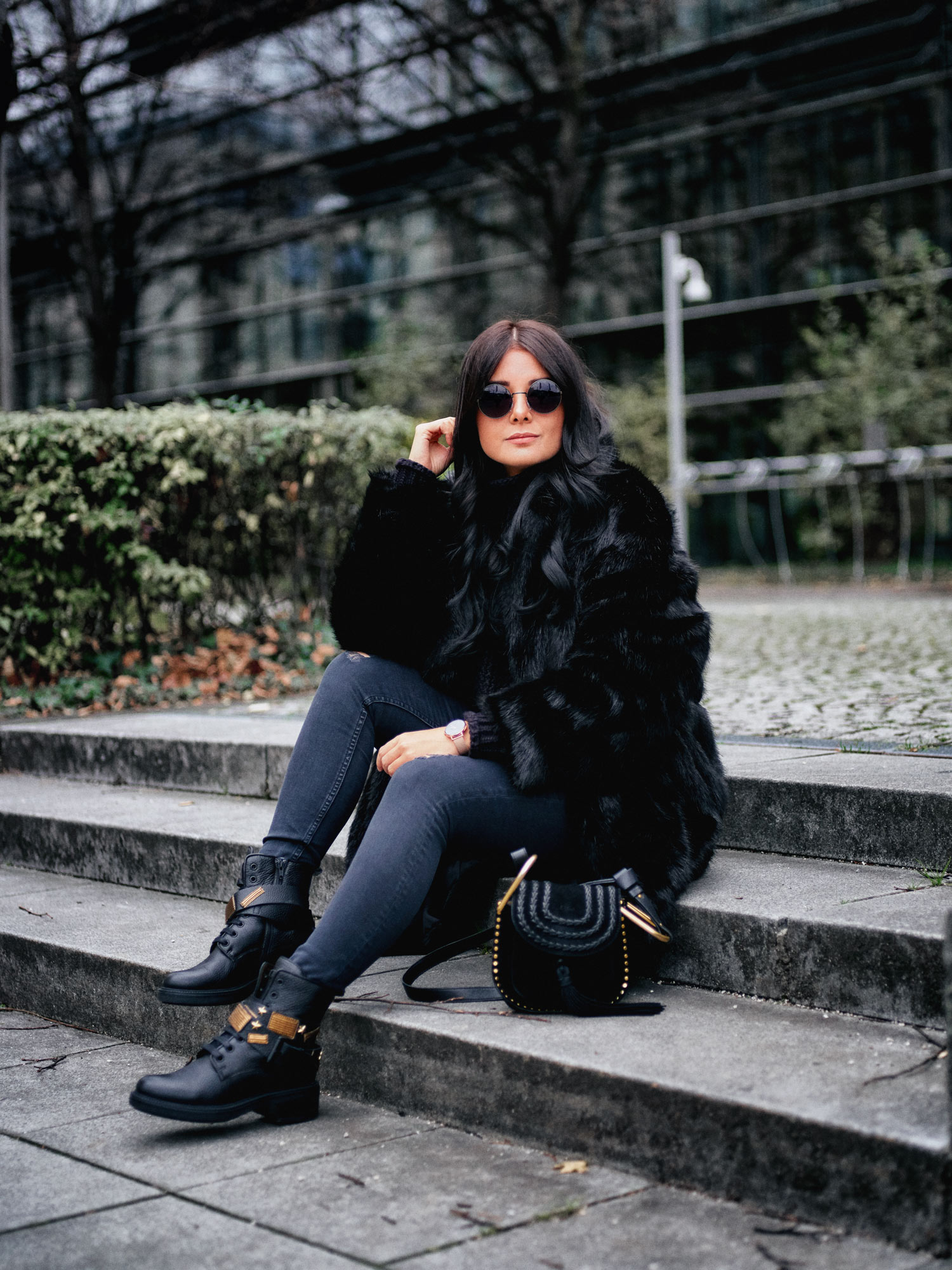 fashion-blogger-aus-muenchen-fashionblogger-lifestyleblogger-beautyblogger-fashion-blogger-modeblogger-modeblog-munich-blog-muenchen-army-boots-rock-my-world