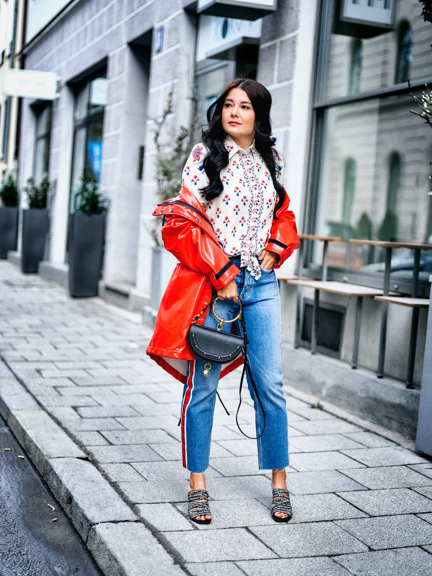 fashion-blogger-aus-muenchen-fashionblogger-lifestyleblogger-beautyblogger-fashion-blogger-modeblogger-modeblog-munich-blog-muenchen-lackleder-regenmaentel-i-m-singing-in-the-rain