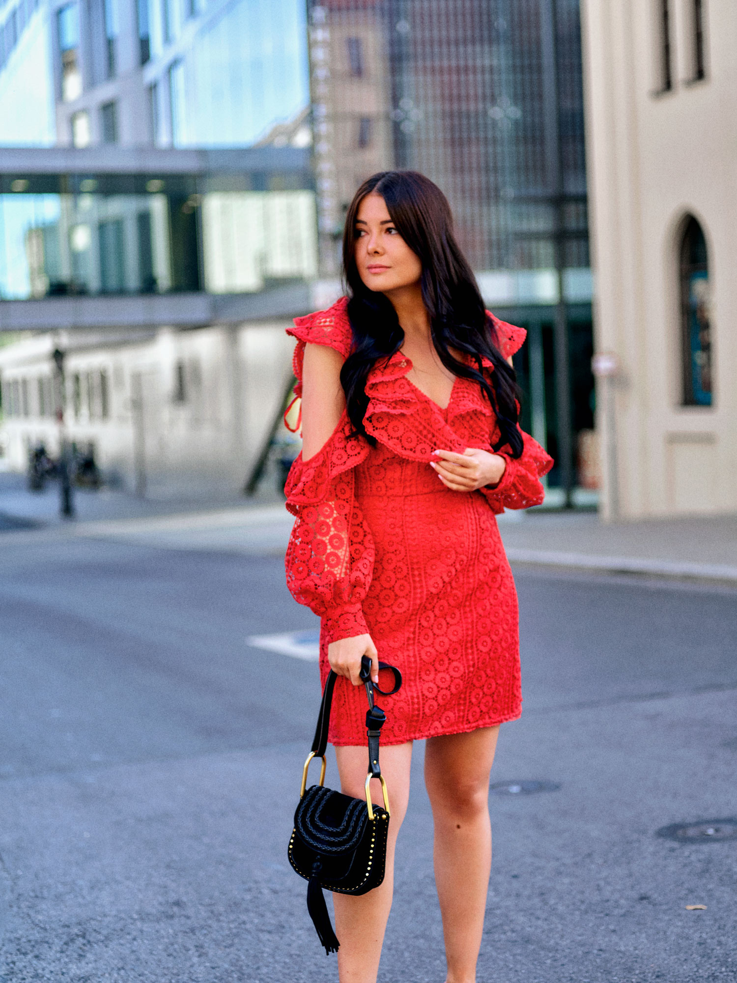 fashion-blogger-aus-muenchen-fashionblogger-lifestyleblogger-beautyblogger-fashion-blogger-modeblogger-modeblog-munich-blog-muenchen-farbe-rot-im-sommer
