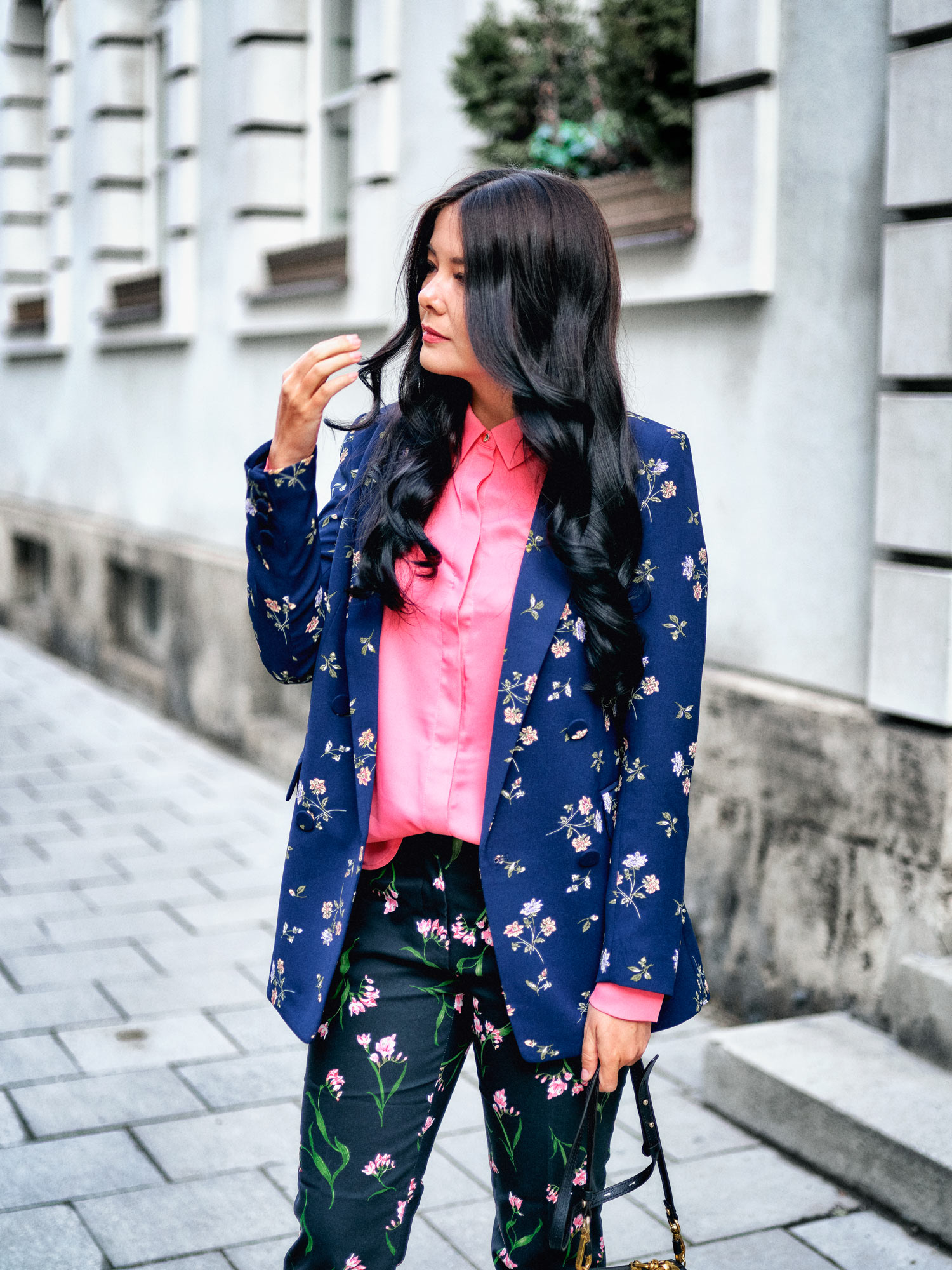 fashion-blogger-aus-muenchen-fashionblogger-lifestyleblogger-beautyblogger-fashion-blogger-modeblogger-modeblog-munich-blog-muenchen-flower-power-blumen-mustermix